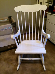 White solid wood Rocking chair