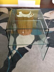 2 glass nesting tables end/coffee tables.