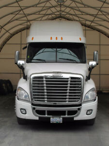 Very Clean 2012 Freightliner Cascadia