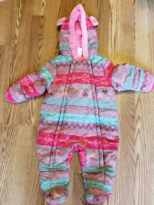 Baby snow suit - 3 to 6month