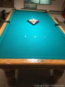 Dufferin Pool Table And Accessories