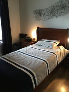 Mobilier de chambre pour jeune (lit simple)