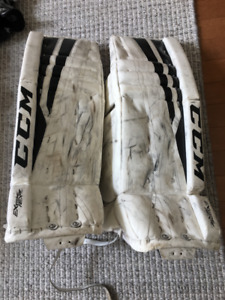 CCM Extreme Flex 760 28 + 1 Goalie Pads - White, black stripe