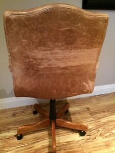 Desk chair by Sam Moore London Ontario image 3