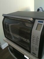 Black and Decker Convection/Pizza/Rotisserie oven