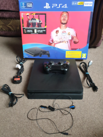 PS4 SLIM Console, Original Pad and All Leads