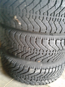 Good set of 215/60/16 winter tires Goodyear Nordic on rims