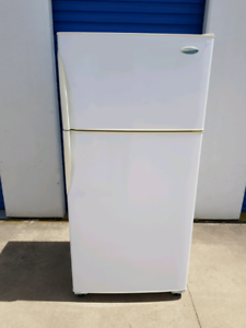 Extra Large Westinghouse Fridge Freezer 530 litres