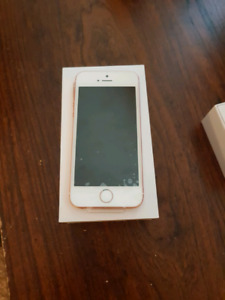 IPhone 5SE 16GB Rose Gold *MINT CONDITION*