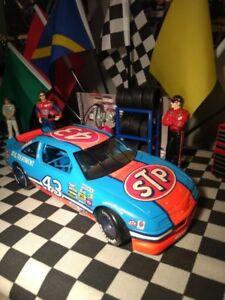 Diecast Nascar 1/18 #43 Richard Petty  excellente condition