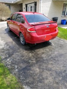 2010 Ford Focus.. Perfect first car!
