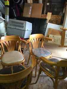 Chaises en bois!,,, Saguenay Saguenay-Lac-Saint-Jean image 2