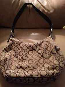 Authentic Small Guess purse Cambridge Kitchener Area image 3