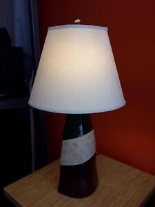 *** USED *** ASHLEY ELITA LAMP (2/CN)   S/N:51166440   #STORE582