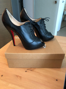 Authentic Louboutin Lady Derby Ankle Boot Heels
