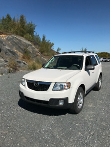2011 Mazda Tribute  v6 4x4 SUV, Crossover certified
