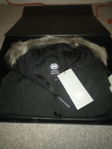 Brand new Authentic Canada Goose jacket W/tags and box size XS