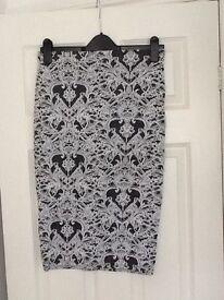Patterned size 10 skirt