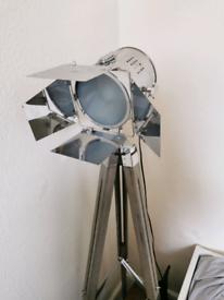 Lamp : Ornamental cinema style spotlight
