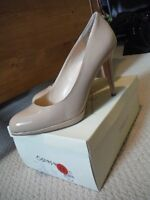 Expression Carina nude pumps size 11