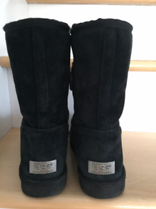 UGG black boots - size 7 - very good condition