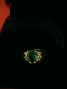 Emerald ring! Great Christmas gift!