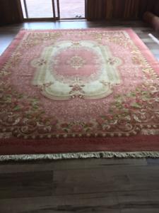 Beautiful area floor rug 12'x10'