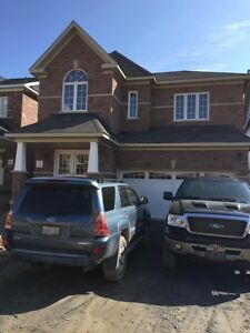 New beautiful 2740sq 4bedroom house for Rent in North Oshawa.