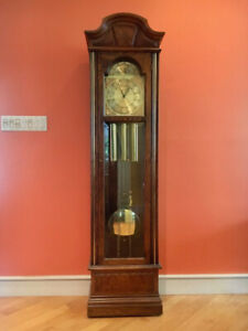 Grandfather Clock Howard Miller Model #610-202 Mint Condition