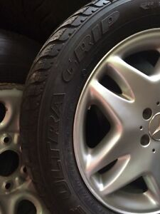 Set of 4 mint Mercedes 17 inch rims with tires Kitchener / Waterloo Kitchener Area image 3