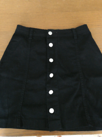 Pretty Little Thing black skirt size 8
