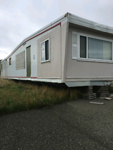 12 by 54 mobile home has wheels and it still