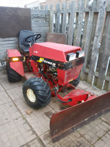 """Steiner S20 4x4 articulating tractor with snow plow & 60"""" mower"""