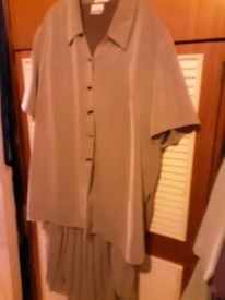 EVANS 3 PIECE SUIT SIZE 22 GREAT CONDITION SMOKE FREE HOME