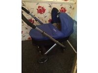 Oyster pushchair an carrycot