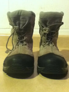 Youth Columbia Bugaboot Winter Boots Size 7 London Ontario image 5