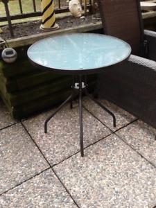 "Hampton Bay 27"" round glass top Bistro Table"