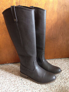 BRECKELLES Equestrian Style Boots