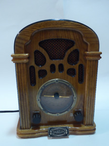 ANTIQUE AM/FM TABLETOP RADIO (REPRODUCTION)