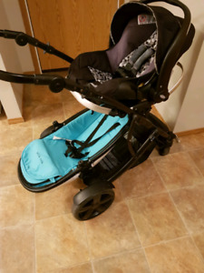 Double stroller with carseat.guzzie+guss