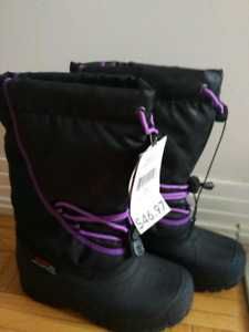 NWT size 11 girls boots