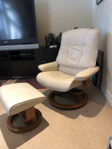 Leather reclining Goucho Chair with Ottoman - Make an Offer!