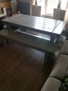450$ today only!! 6ft farmhouse style dining set