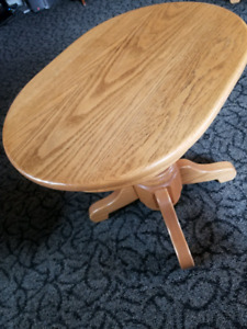 Want: This little oak end table