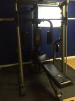 Equipment d'entrainement/weigh training station