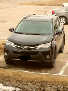 Toyota XLE AWD 2013 bought new Oct. 2014 with 57km.
