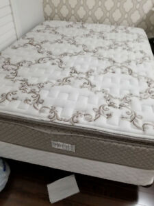 QUEEN MATTRESS WITH BOX SPRING AND RAILS