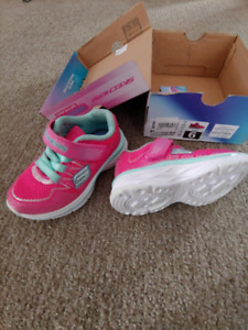 Toddler girls Sketcher sneakers size 6T VG condition
