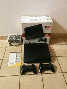 Ps3 Sony PlayStation 3 SLIM in box + 2 controllers + games