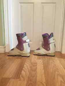 Nordica Ski Boots- Ladies Size 8 Peterborough Peterborough Area image 1